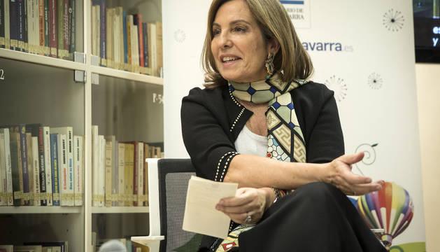 Reyes Calderón, en el club de lectura de Diario de Navarra