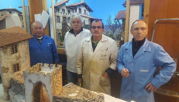 Saturio Flores, Javier Beunza, Luis Borrega y Jesús María Garmendia, ayer en Olazagutía.