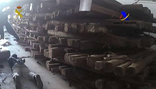 Los troncos dónde ocultaban la droga.