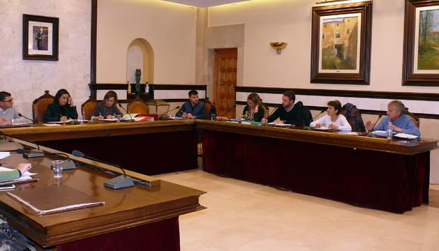 Foto de ediles del Ayuntamiento de Cintruénigo, durante el pleno.
