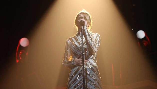 Foto de Amaia Romero, durante su interpretación de Shake it out, el primero de sus temas en el ranking de YouTube.