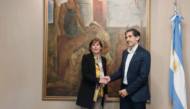 La Presidenta Uxue Barkos y el presidente de la Agencia Argentina de Inversiones y Comercio Internacional, Juan Carlos Tripodi.
