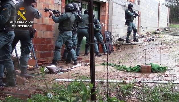 La Guardia Civil detiene a 57 personas en la denominada operación 'Albarracín'.