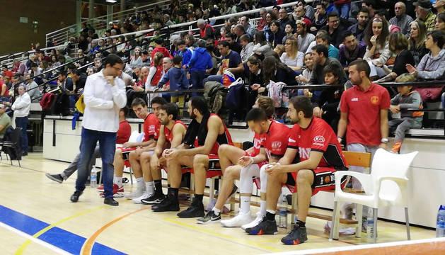 El Basket Navarra pierde en casa, pero el salva el 'basket average'