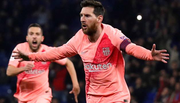Messi da un recital y el Barcelona fulmina al Espanyol en el derbi
