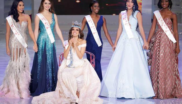 Miss México, Vanessa Ponce de León, celebra su victoria en Miss Mundo.