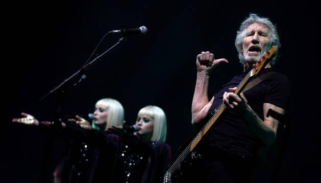 Roger Waters actúa durante un concierto parte de su Us + Them Tour en Guadalajara (México) el pasado 4 de diciembre.