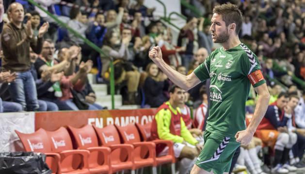 El capitán Roberto Martil marcó el primer gol ante el Segovia.