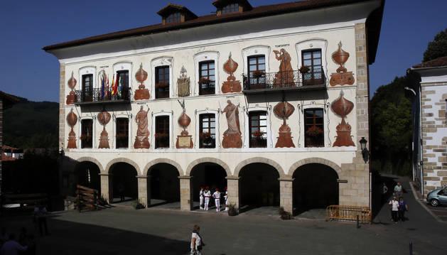Imagen de archivo de la fachada del Ayuntamiento de Bera.