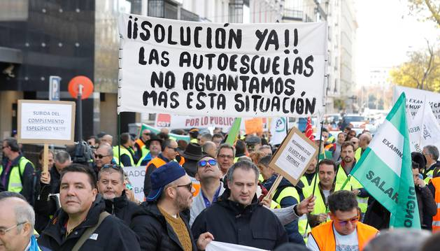 Manifestación convocada por la Asociación de Examinadores de Tráfico (Asextra) en Madrid.