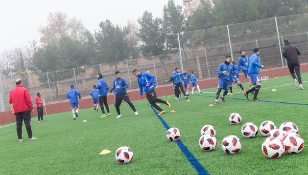 Los jugadores del CD Tudelano, durante en un entrenamiento.