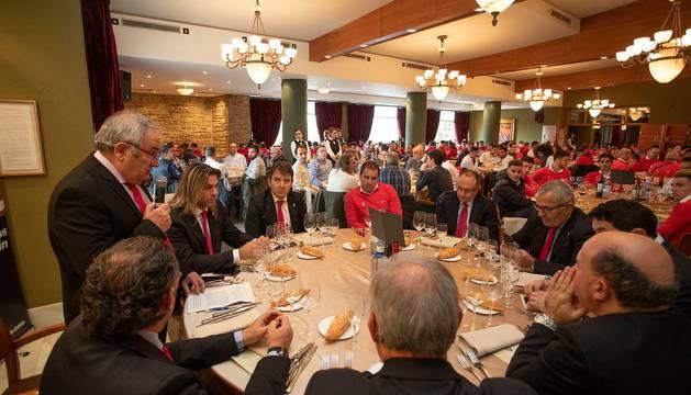 Osasuna celebra su almuerzo navideño con empleados y equipos del club