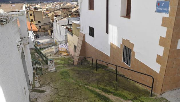 Calle Cortijo de Falces, cuyas redes y pavimento se renovarán.