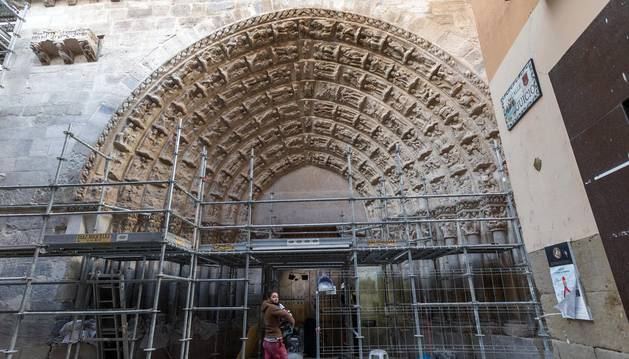 Fotografías de la restauración de la Puerta del Juicio de la catedral de Tudela