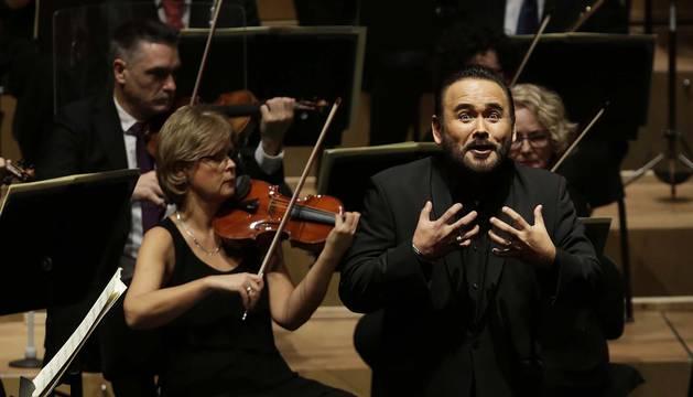 Un expresivo Javier Camarena, durante el concierto del viernes en Baluarte.