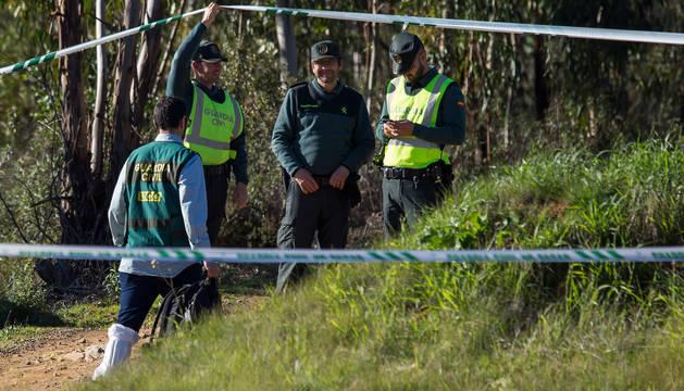 Efectivos de la Guardia Civil tras aparecer el cadáver de Laura Luelmo.