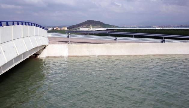Aspecto del canal en Tiebas.