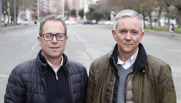 Sergio Parra y Pedro Sarasibar, este martes en el parque de Antoniutti.
