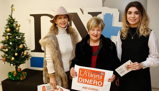 foto de La ganadora del segundo premio, Fabiola Garrido Arana; del primero, Isabel Usoz Iriarte, y del tercero, Marta Pedrosa Olite.