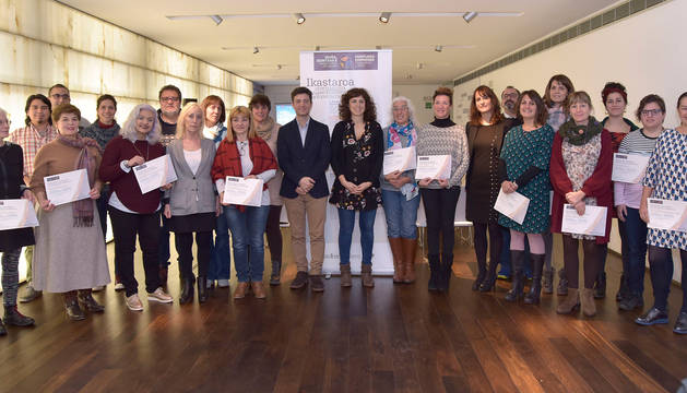 foto de Personas que han recibido el certificado del curso 'Emprendimiento, innovación social y cooperativismo'.