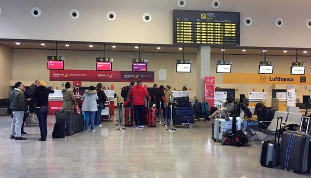 Las otras #HistoriaDeNavidad de Iberia en el aeropuerto de Pamplona