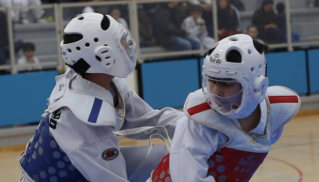 Foto de un combate de taekwondo celebrado en Alsasua.