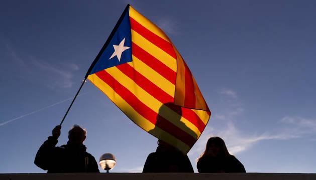 Cortes de carretera y protestas en Barcelona por el Consejo de Ministro
