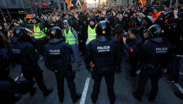 Disturbios en el centro de Barcelona por el Consejo de Ministros.