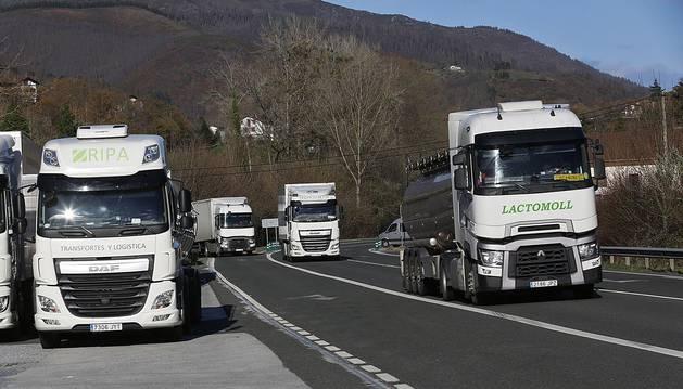 La N-121-A, en la denominada ruta del Levante, es la principal carretera de conexión entre Pamplona y la frontera francesa.