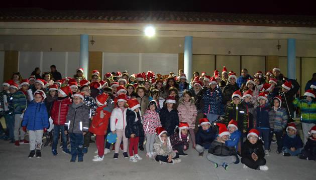 Los alumnos de la escuela de música anticiparon la Navidad con una ronda de villancicos del pasado día 18 en la que recorrieron el casco urbano.