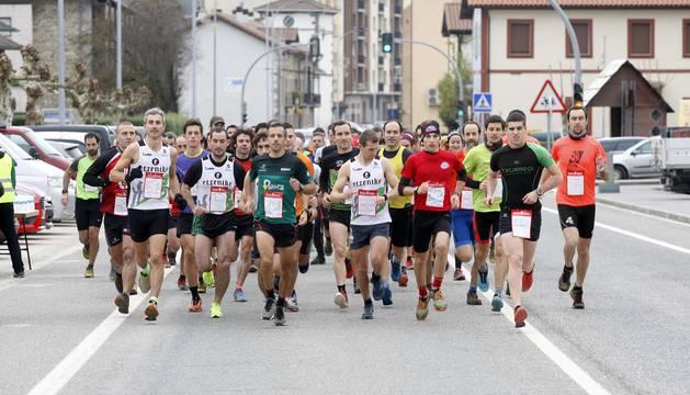 Ion Solay Enara Oronoz se imponen en la XIV Carrera Popular Valle de Esteribar