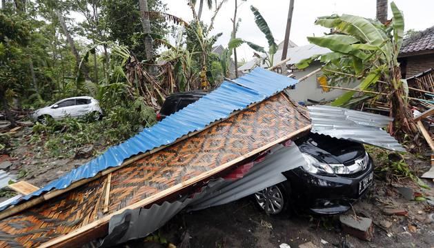 Al menos 168 personas murieron este domingo, 23 de diciembre, tras un tsunami mortal en Indonesia.