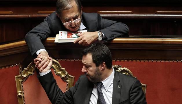 El Senado italiano aprueba los presupuestos entre amenazas y protestas