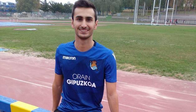 Javier Colomo, con su nueva camiseta, la de la Real Sociedad, en Mendizorroza.