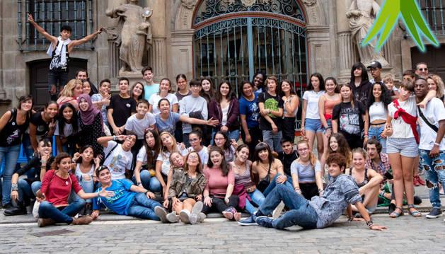 Participantes en la III Cumbre Juvenil Antirrumores celebrada en Pamplona.