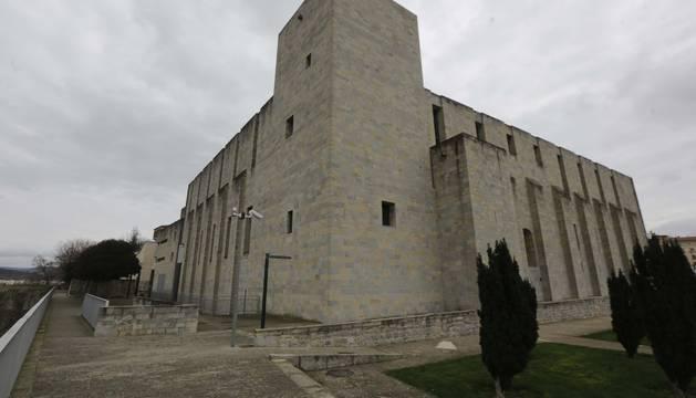 La avenida del Ejército, rebautizada como avenida de Catalina de Foix.