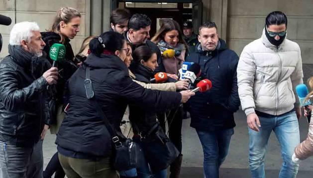 La moción de censura a Rajoy, la sentencia de la Manada, el fenómeno Rosalía, las elecciones andaluzas o la conquista española del deporte femenino son algunos de los acontecimientos que han protagonizado el panorama nacional durante este año que está a punto de terminar.