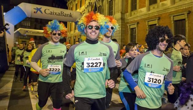 Fotos de la San Silvestre de Pamplona 2019, en la que han participado cerca de 5.000 corredores.