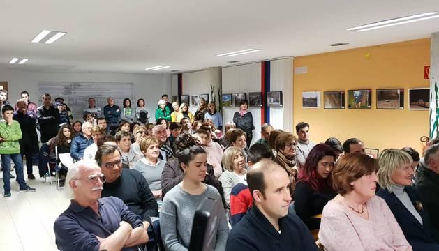 Un centenar de personas, entre asistentes y premiados, participó en el acto central de la jornada festiva de Liédena en torno al Tren Irati.