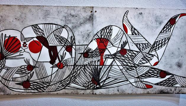 El rojo es uno de los colores que aparecen con mayor frecuencia en las obras de la artista palentina.