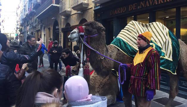 Este viernes, los ayudantes de los Reyes, en la sede de Diario de Navarra.