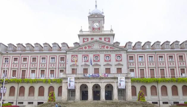 Imagen del Ayuntamiento de Ferrol, imagen donde se ha encontrado el cadáver.