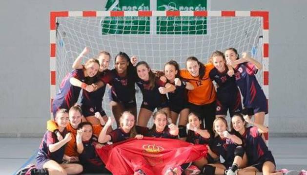 El equipo infantil femenino luchará por el primer puesto.