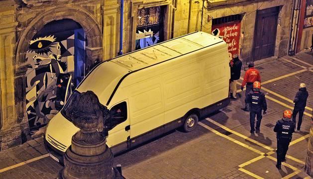 Operación en el Palacio Marqués del Rozalejo para inspeccionar el gaztetxe Maravillas.