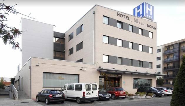 Fachada del hotel NT Noáin.