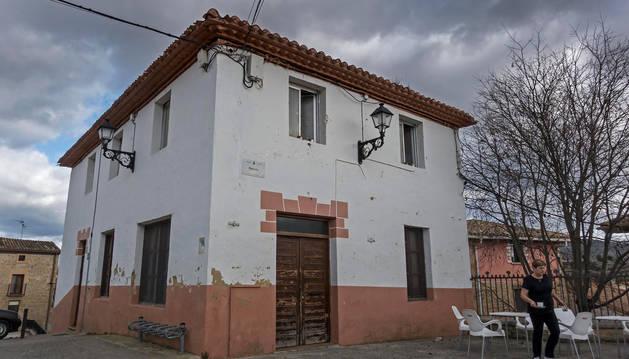 foto de El edificio que fue antiguo Círculo Carlista y que ahora se derribará.