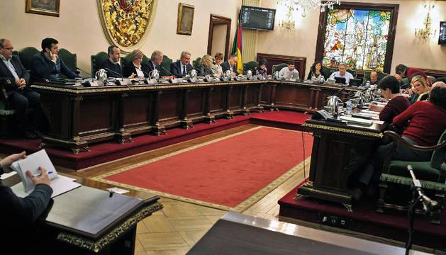 La corporación pamplonesa se reunirá esta tarde en pleno para aprobar los presupuestos y casi una veintena de asuntos más.