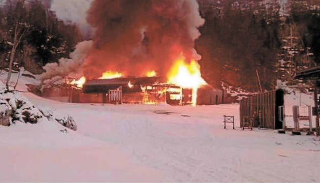 foto de El fuego afectó al telesilla 'Family'.