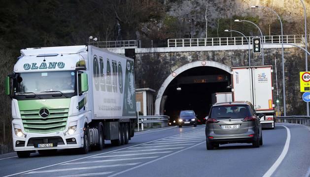 La circulación rodada volvió a surcar los túneles de Belate el 31 de octubre tras cinco meses de obra.