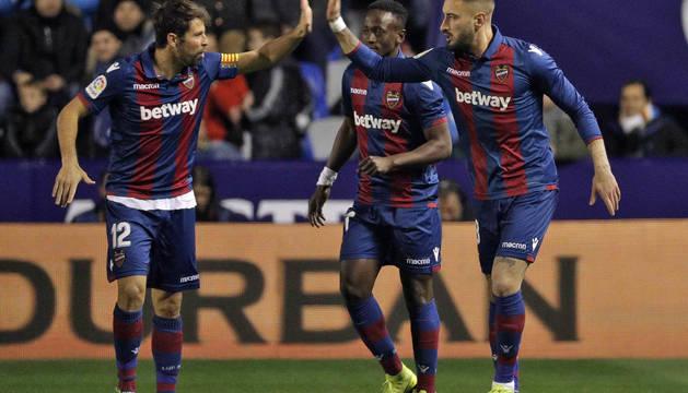 Coutinho maquilla la derrota del Barcelona; el Sevilla golpea en San Mamés